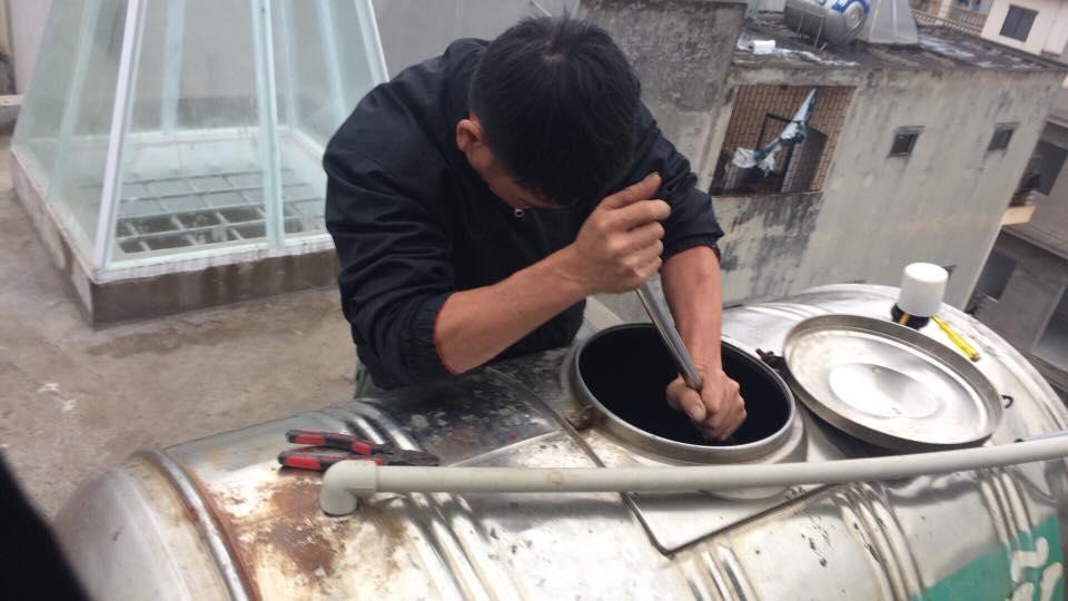 Giá cả thau rửa, vệ sinh bể nước rẻ nhất tại Hà Nội
